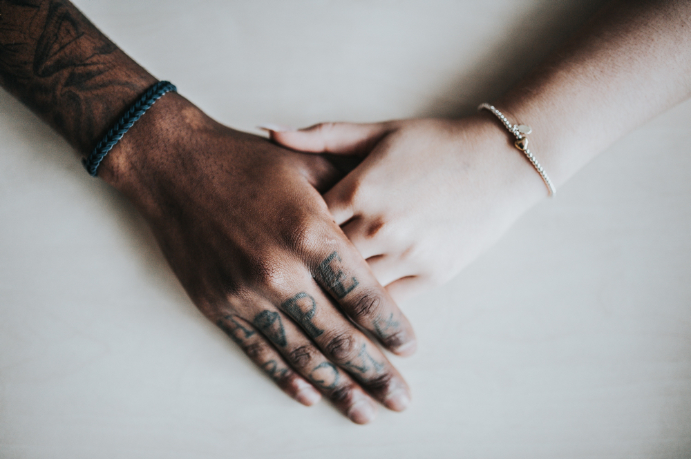 Holding hands may ease pain